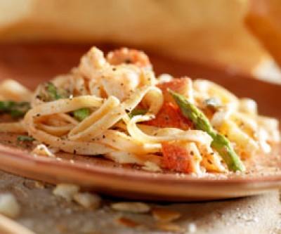 Creamy Lobster Linguini
