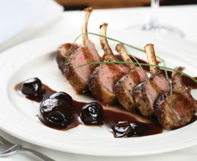 Rack of Lamb with Caramelized Pearl Onions, Balsamic and Red Wine Reduction