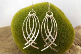 curved_chandelier_earrings