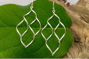 curvy_wirework_earrings