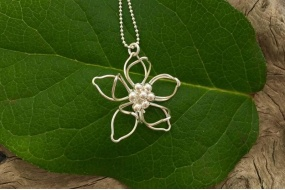 waterlily_necklace