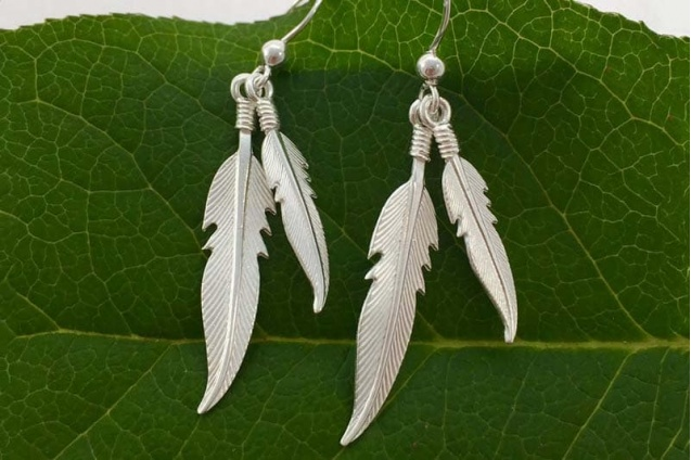 feather_earrings